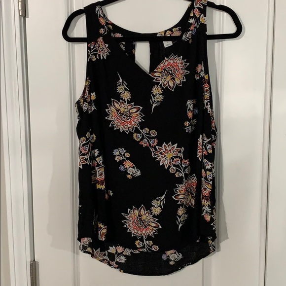 Old Navy Tops - Floral Sleeveless Blouse
